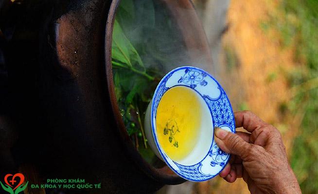 Viêm âm đạo rửa nước chè xanh được không